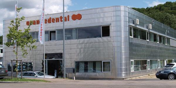 orangedental Gebäude Vorderseite in Biberach